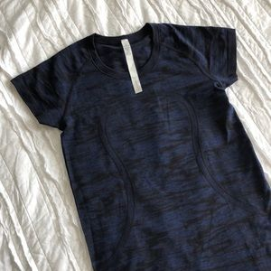 Lululemon Swiftly Tech Short Sleeve Crew size 6